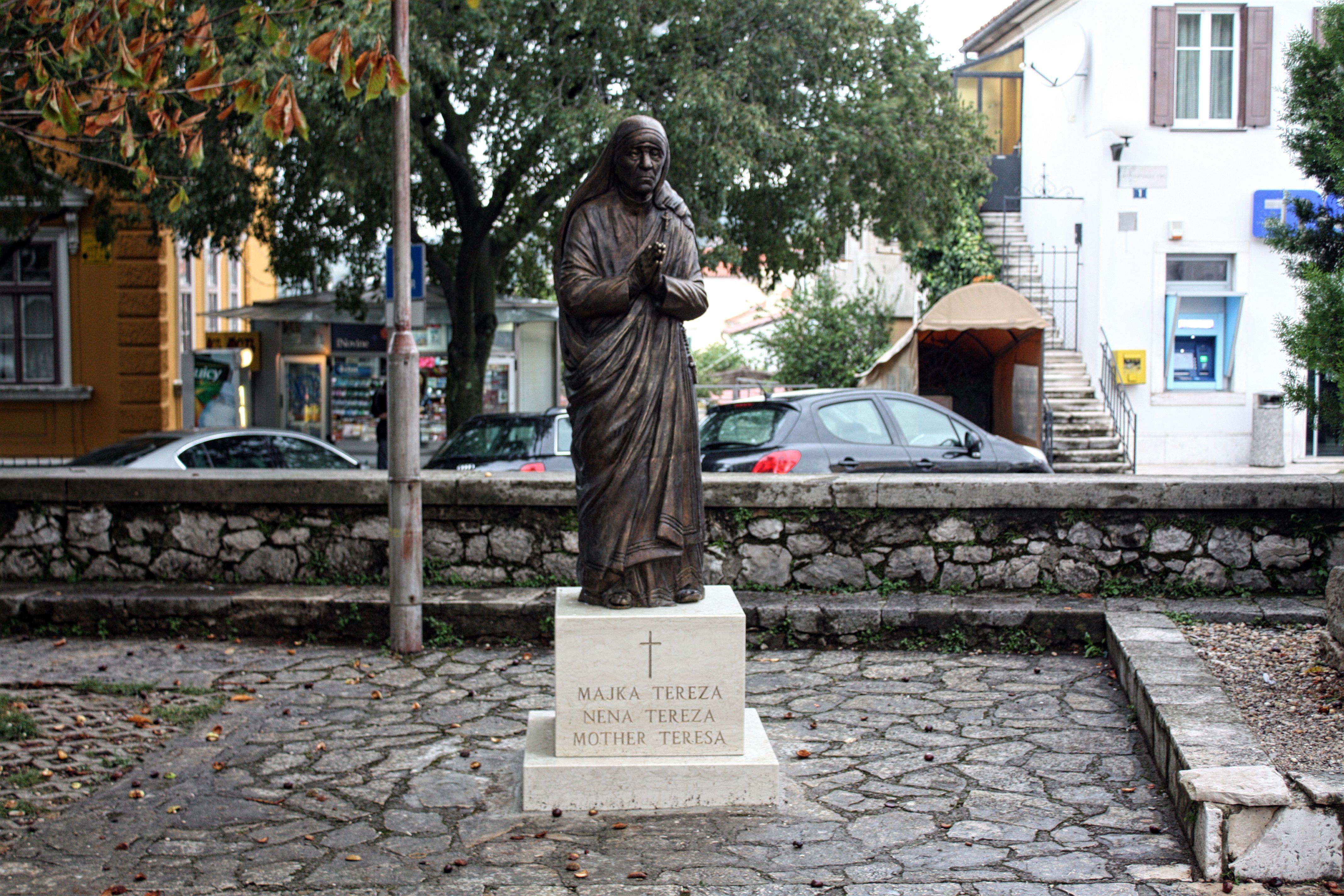 Inauguracija kipa svete Majke Tereze iz Kalkute